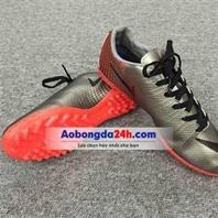 Giày đá bóng CR7 màu bạc (Mẫu 4)