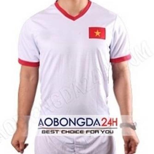 Áo đội tuyển Việt Nam 2014 trắng sân khách