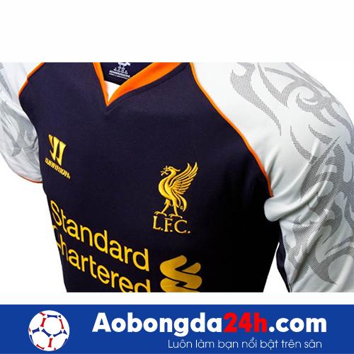 Áo câu lạc bộ Liverpool 2012-2013 mẫu thứ 3