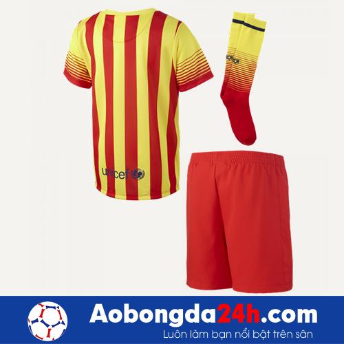 Áo đấu Barca 2013-2014 sân khách vàng sọc đỏ
