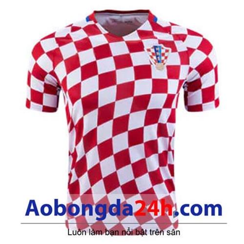 Áo đội tuyển Croatia 2016 - 2017 sân nhà caro đỏ trắng