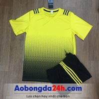 Áo bóng đá không logo All Black Vàng Đen
