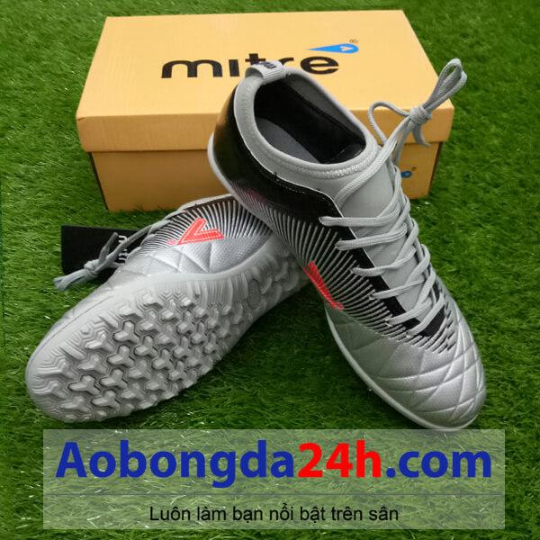 Giày đá bóng Mitre 161110 màu bạc cổ thấp mềm-0